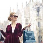 rahastoori-bisnesnainen-shoppaile-fiksusti-säästääksesi-enemmän