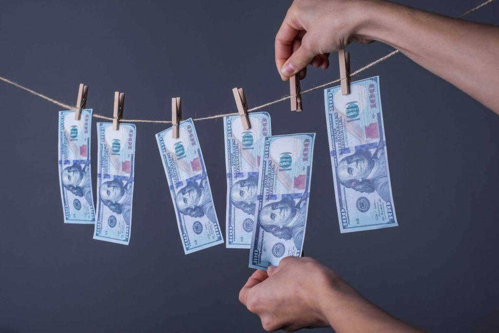 Kuinka jakaa parisuhteen menot?
