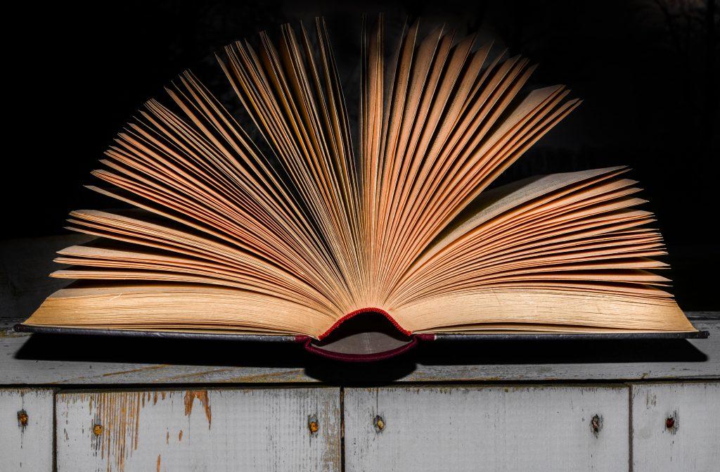 Kirja-Arvostelu