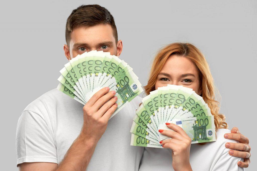 Miten menot jaetaan parisuhteessa?