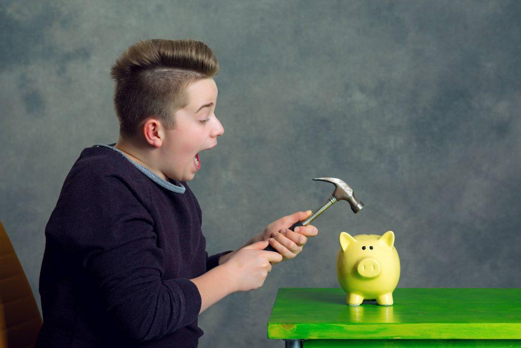 Miten nuoret käyttävät rahaa?