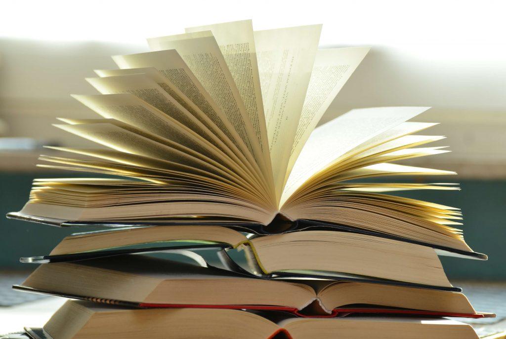 Kirjasuositukset menestyjälle