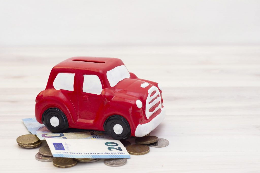 Kuinka paljon auton omistaminen maksaa?